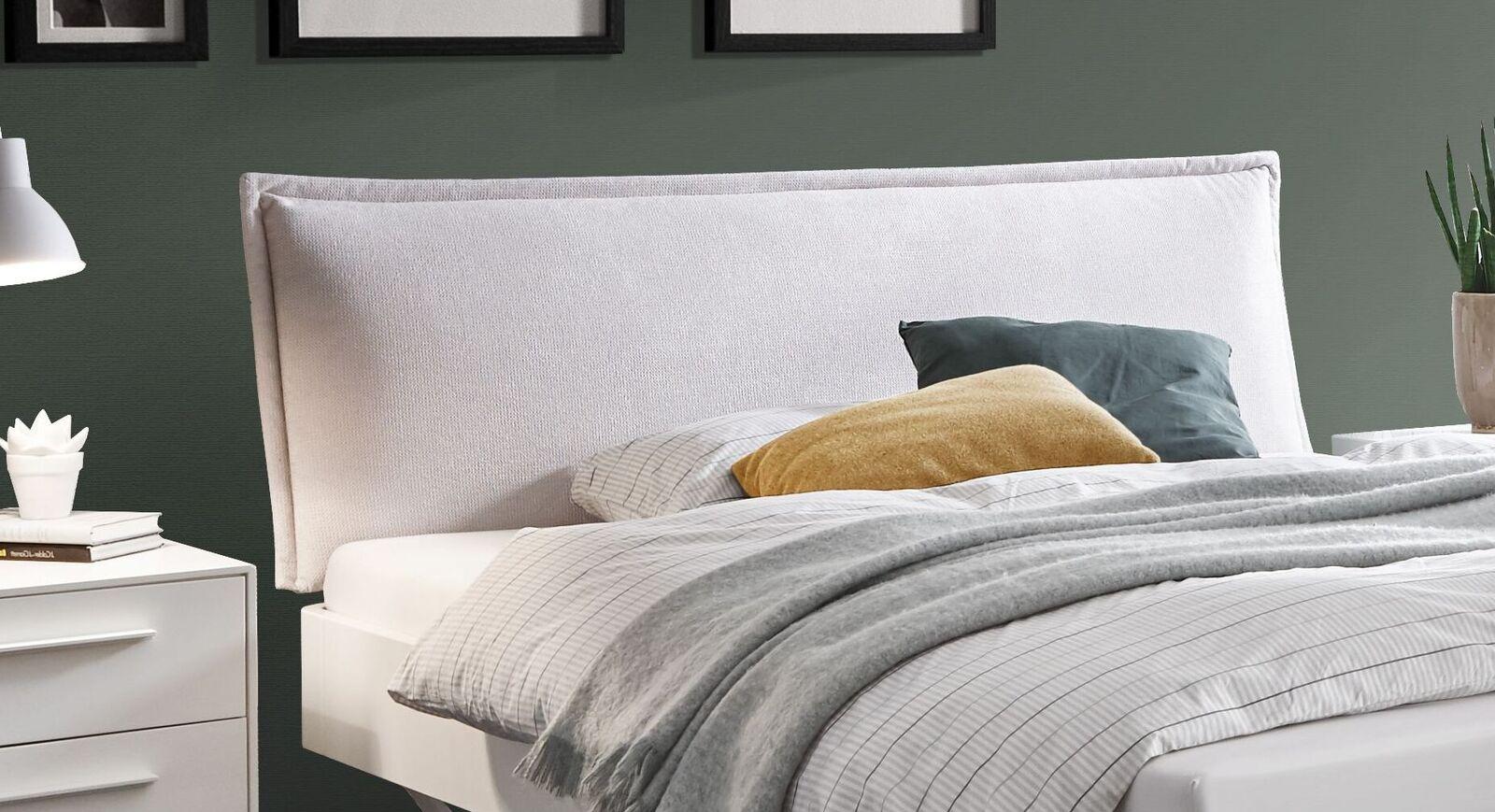 Bett Cilona mit gemütlichem Polsterkopfteil
