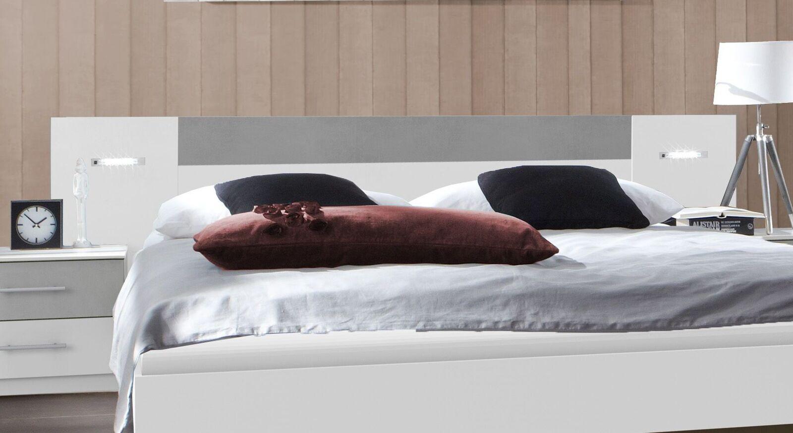 Bett Dahlen mit breitem Kopfteil