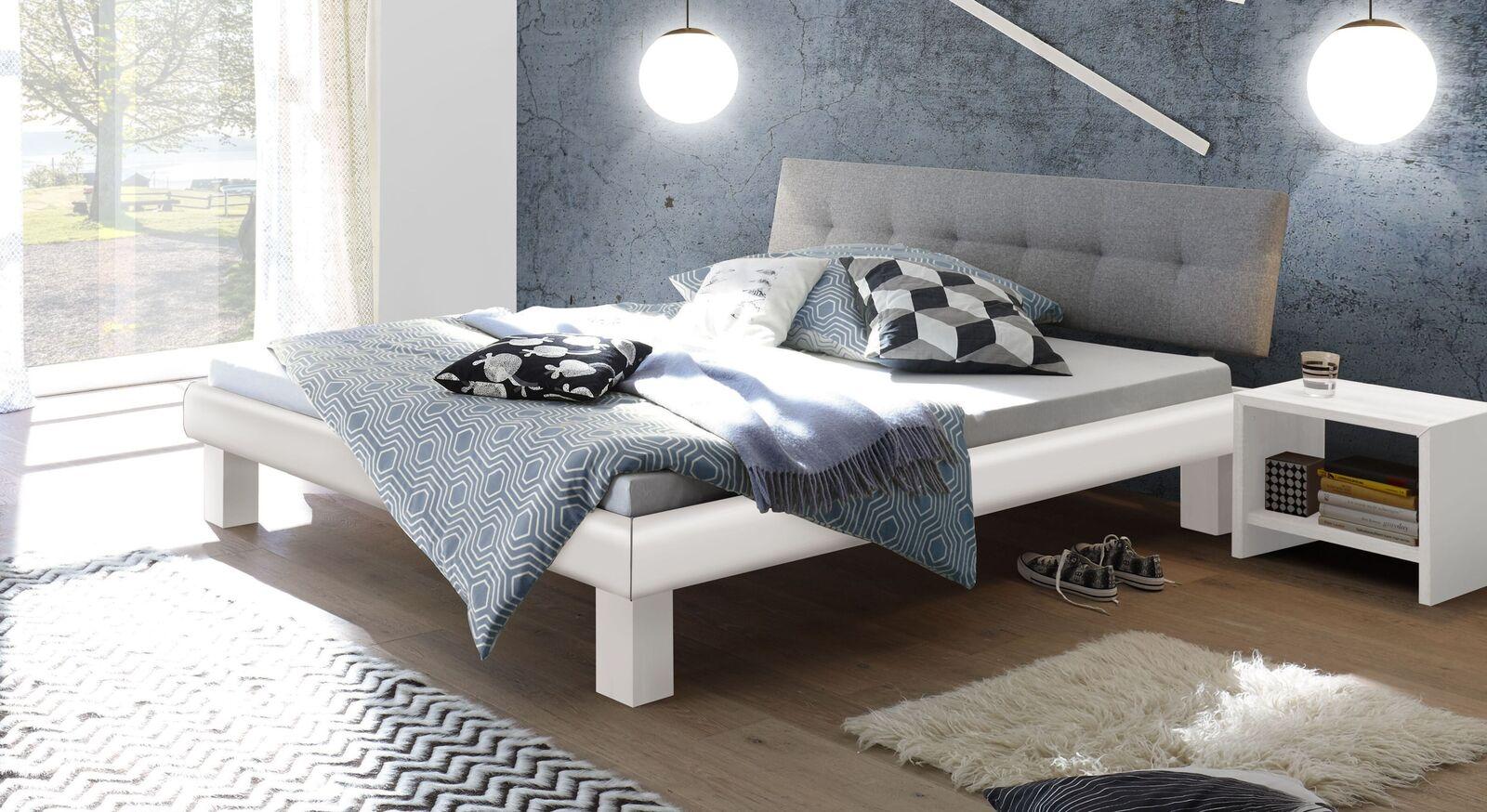 Bett Eastport mit weißem Bettrahmen