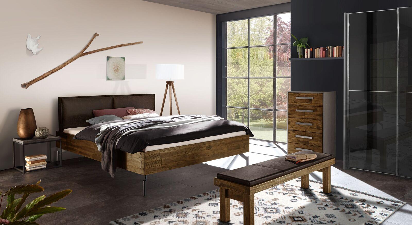 Bett Envigado mit passenden Schlafzimmer-Möbeln