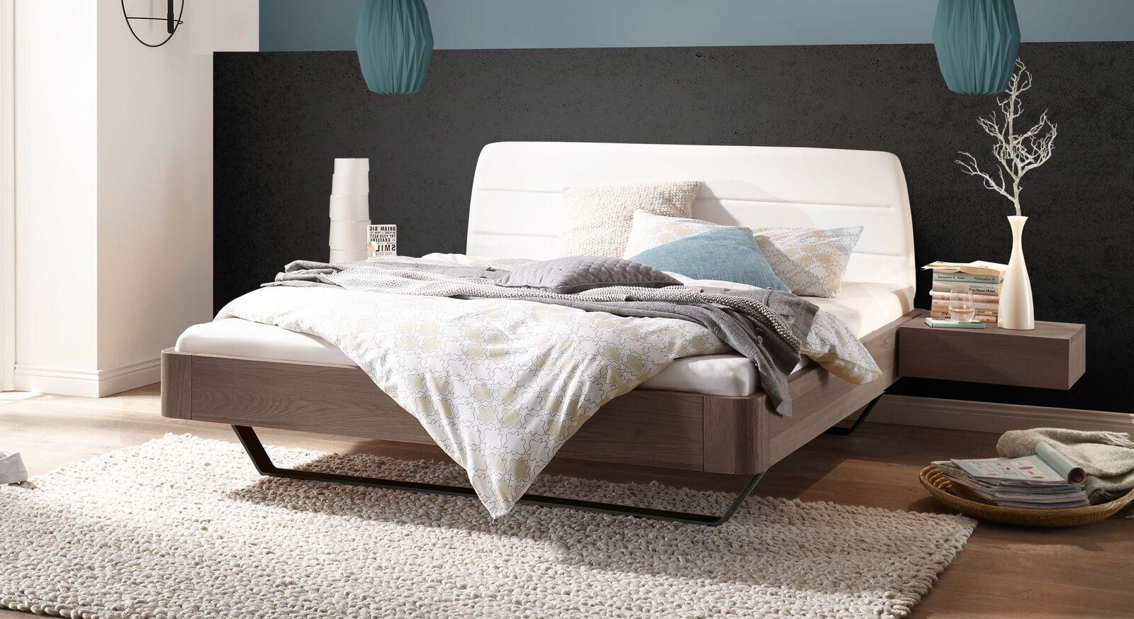 Modernes Bett Epondia im angesagten Materialmix