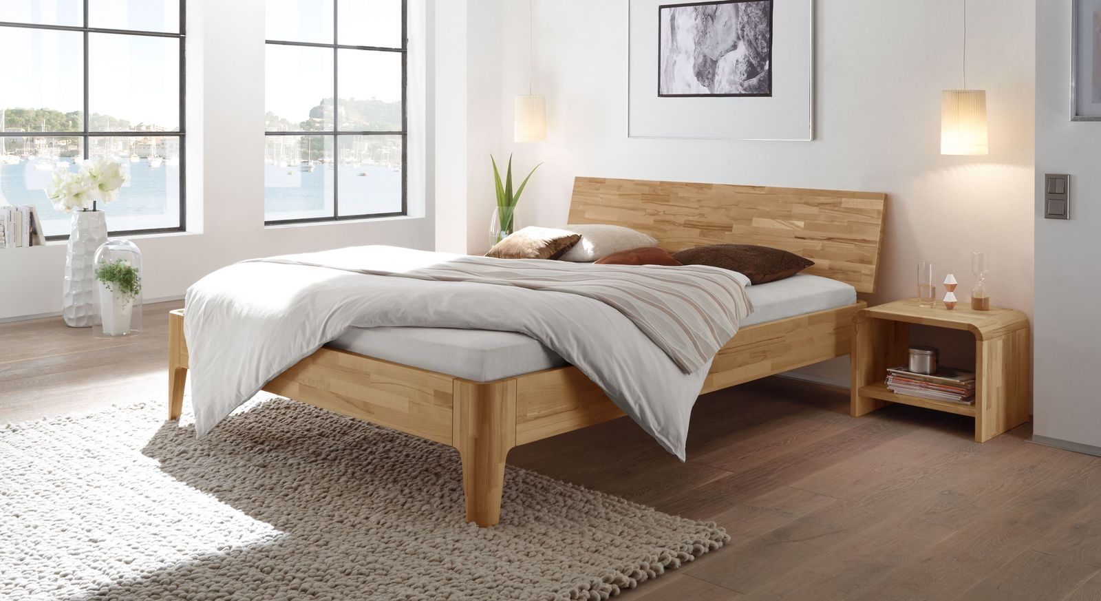 Modernes Holzbett Florina mit Kopfteil