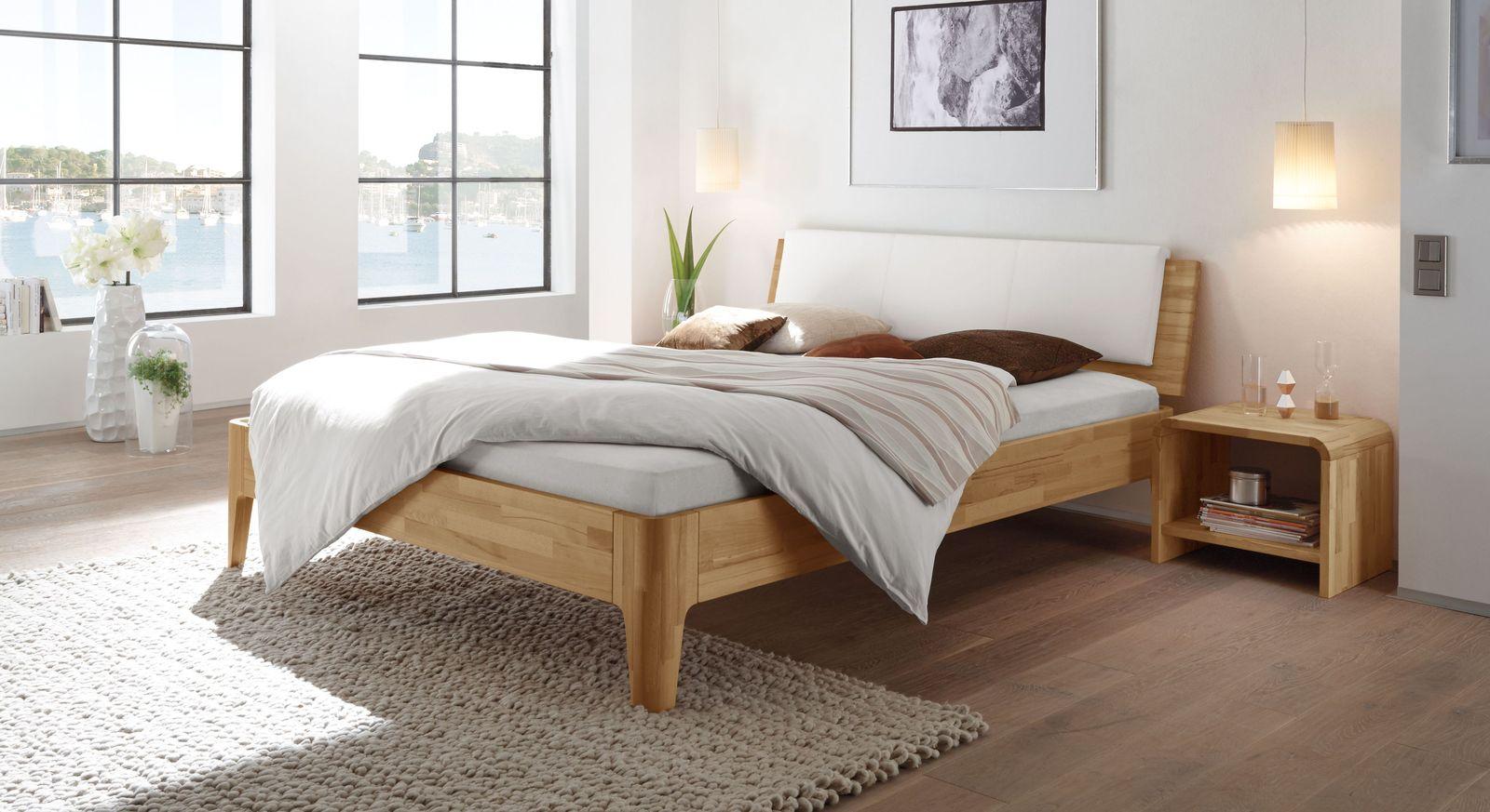 kopfteil bett polster elegant dreieckige kissen kopfteil. Black Bedroom Furniture Sets. Home Design Ideas