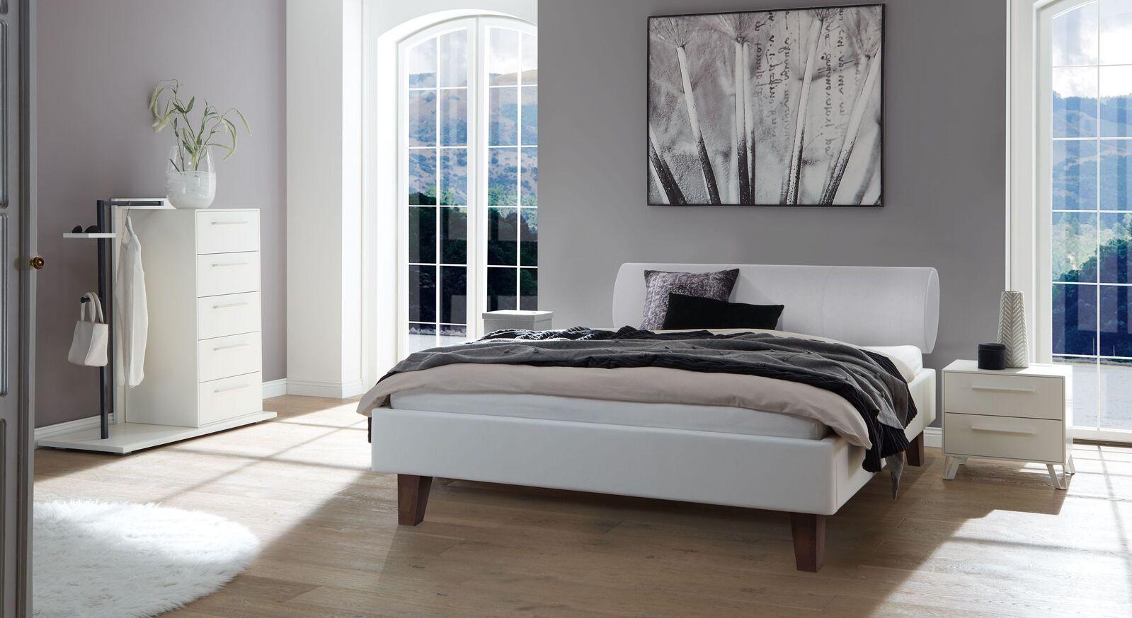 Passende Schlafzimmermöbel zum Bett Ikar