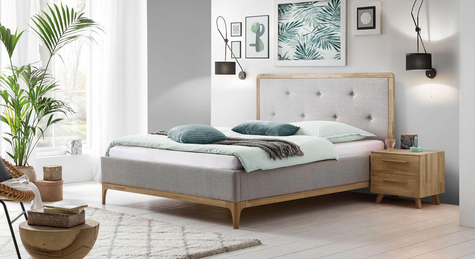 Passender Schubladen-Nachttisch zum Bett Ilmatar