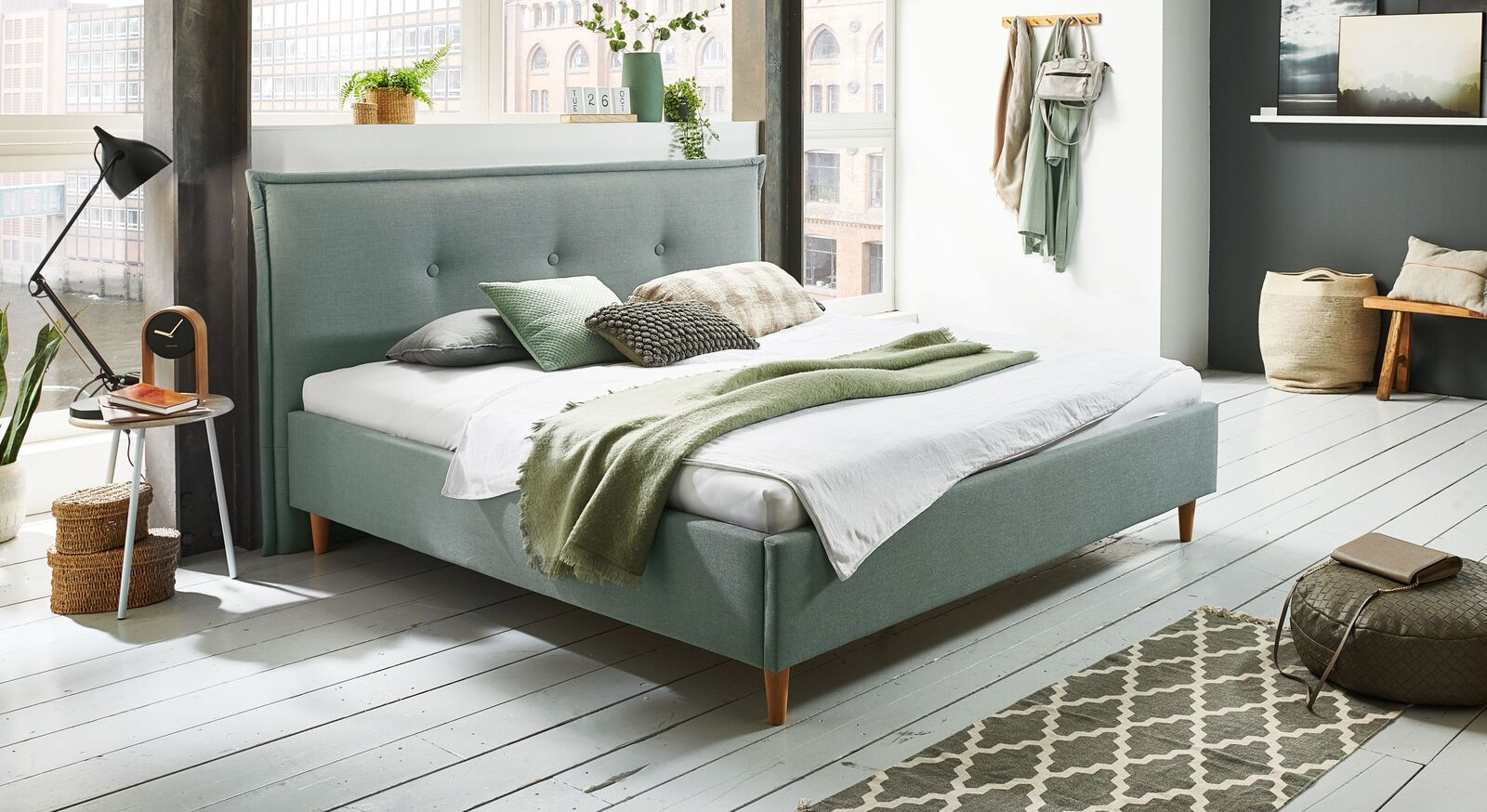 Bett Indore mit hochwertigem Webstoff in Blaugrün