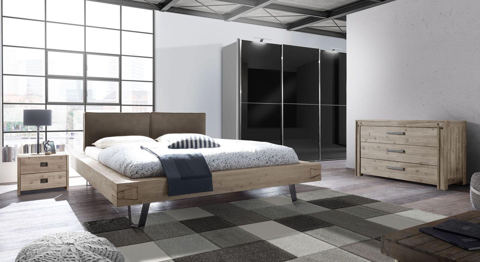 Bett Jaronia mit passender Schlafzimmereinrichtung