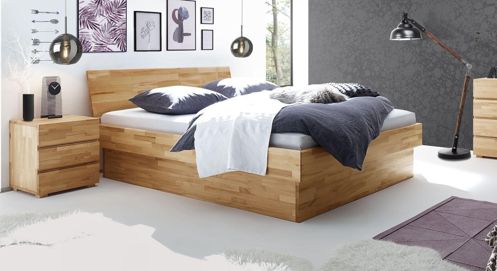 Modernes Bett Karuna in Komfort-Liegehöhe