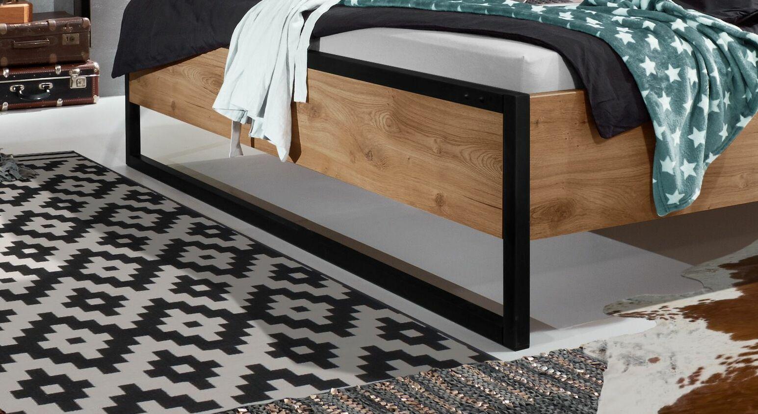 Bett Lakewood mit stylischen Metallkufen als Bettbeine