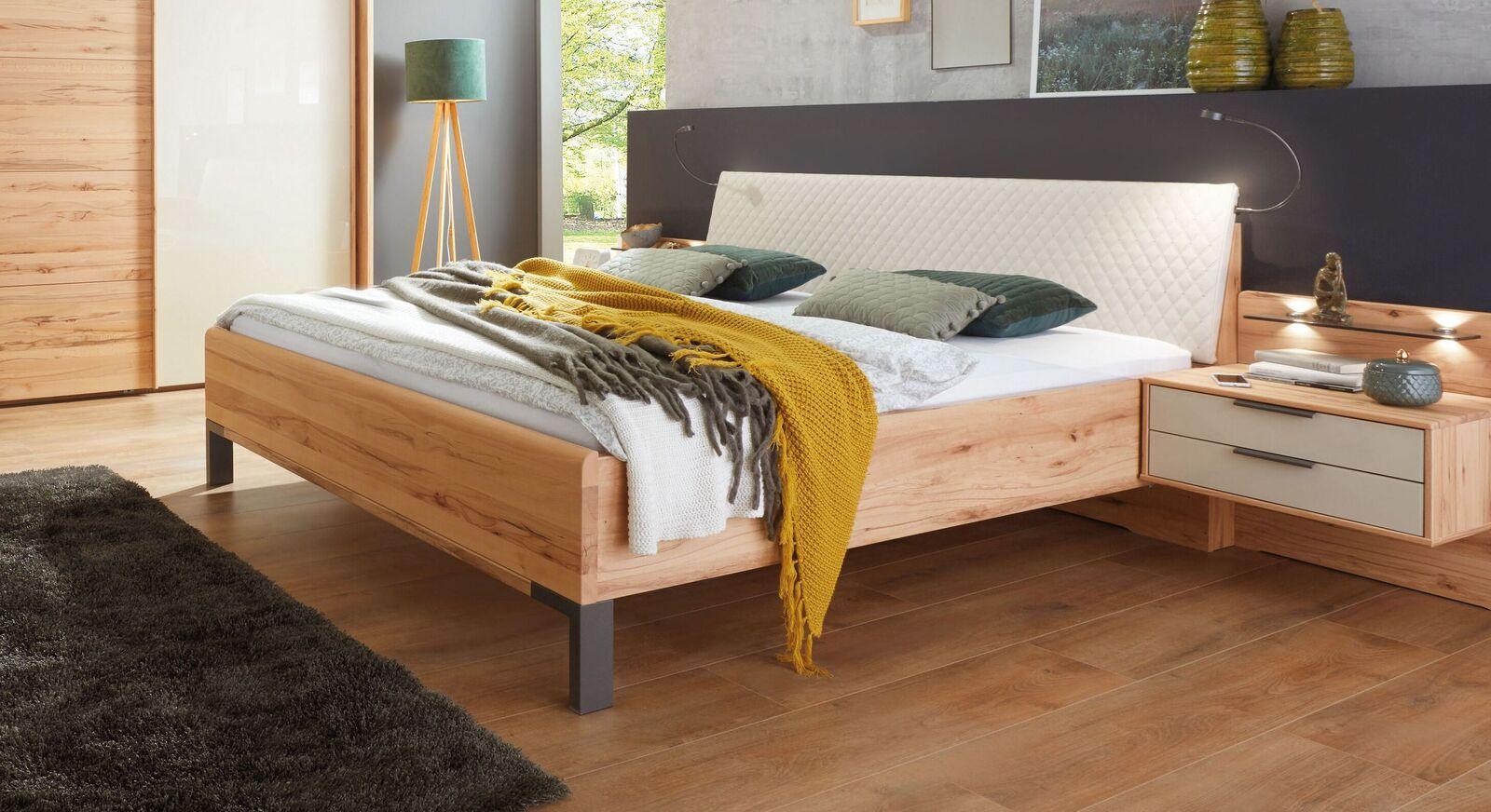 Bett Leandra in hochwertigem Materialmix
