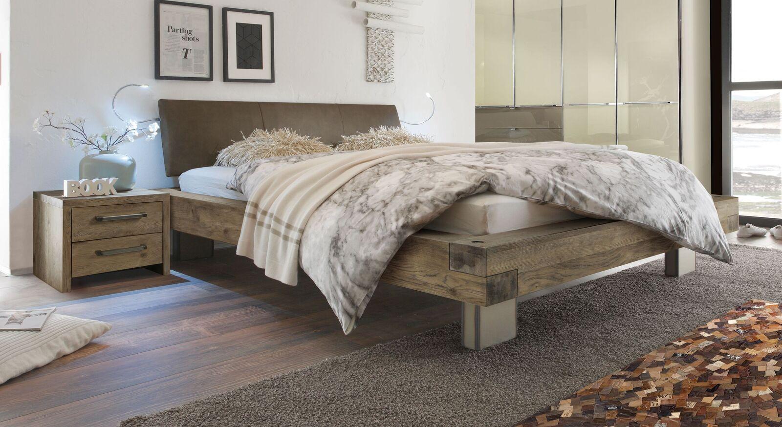 Holzbett Limeira in Terrabraun mit braunem Luxus-Kunstleder
