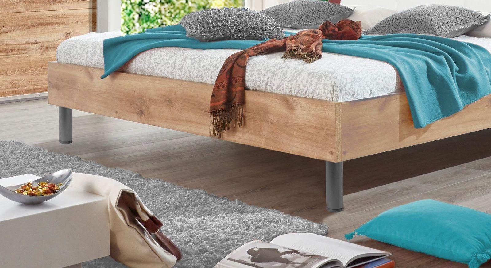 Bett Loano mit klassischen Rundfüßen