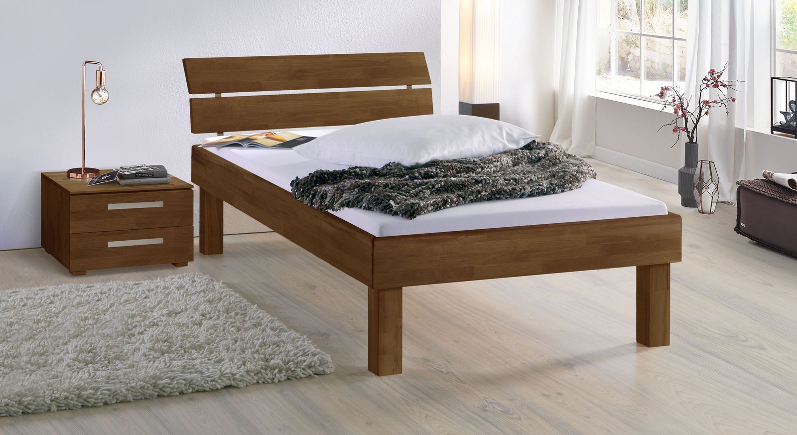 Nussbaumfarbenes Bett Madrid Komfort in 30 cm Höhe
