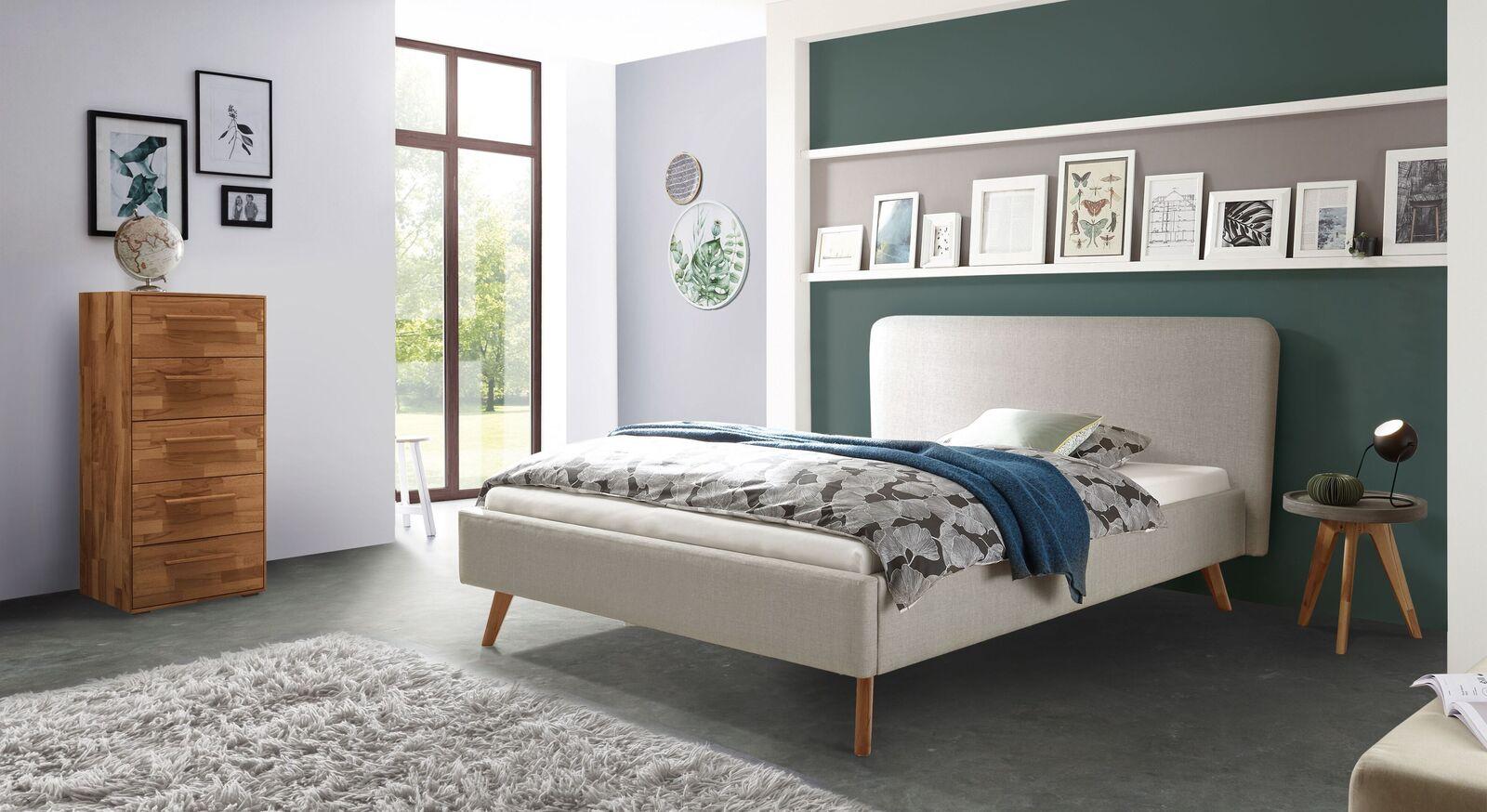 Bett Magura mit passenden Beimöbeln