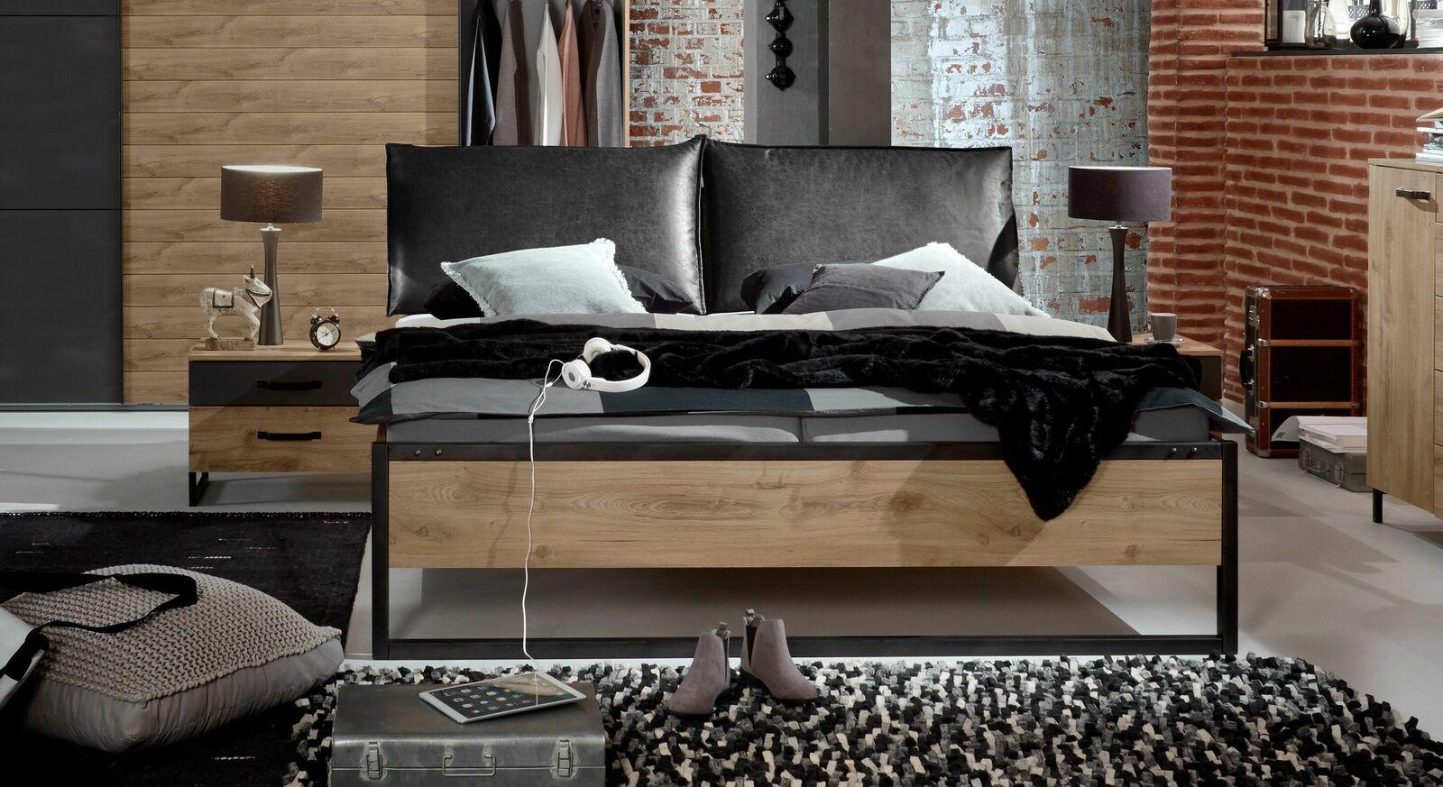 Bett Mancos mit Kunstlederkissen und Metallbettbeinen