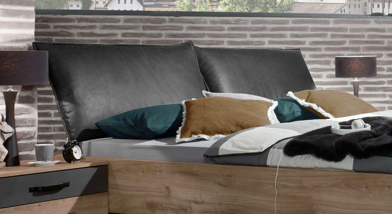 Bett Mancos mit schwarzem Kunstleder-Kopfteil
