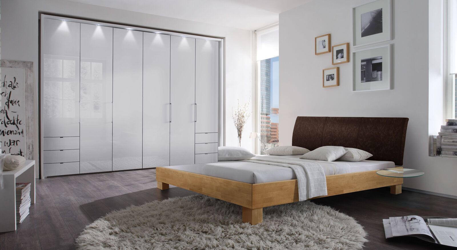 Bett Marisa mit passenden Schlafzimmermöbeln
