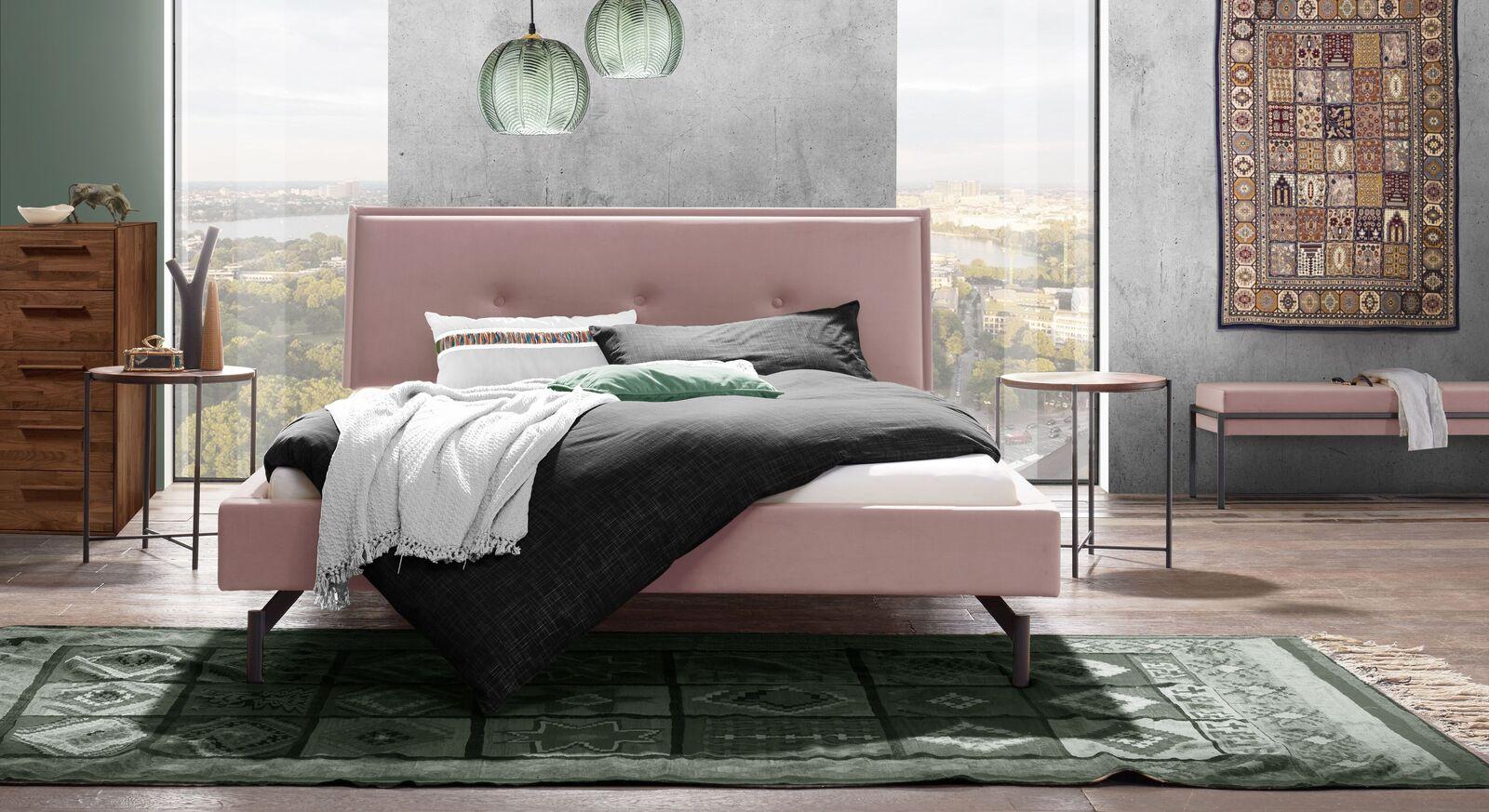 Bett Nocan mit passender Schlafzimmereinrichtung