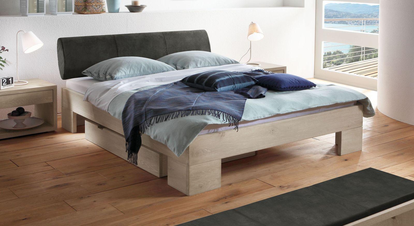 Hochwertiges Bett Olinda mit starker Maserung