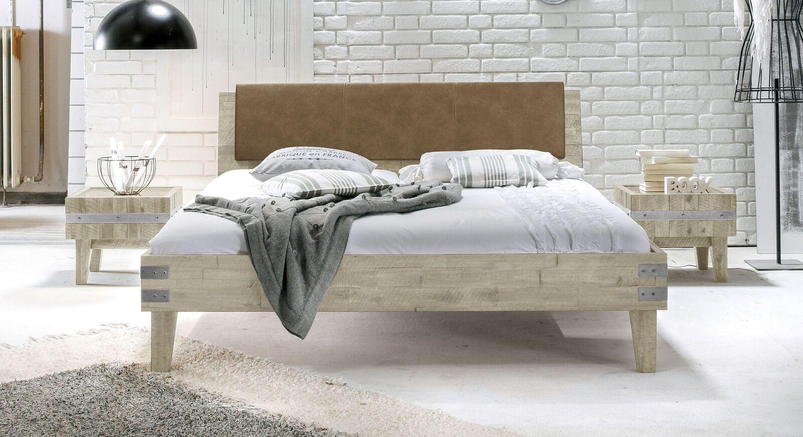Bett Paraiso aus weißer Akazie mit Beschlägen