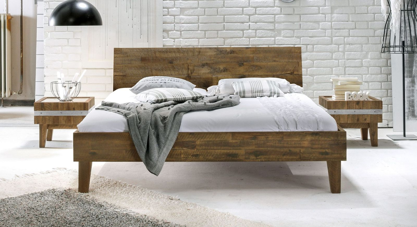 Bett Paraiso in elegantem Design