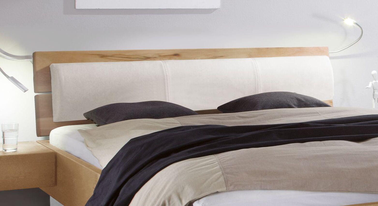 Massives Bett Patea mit geteiltem Kopfteil