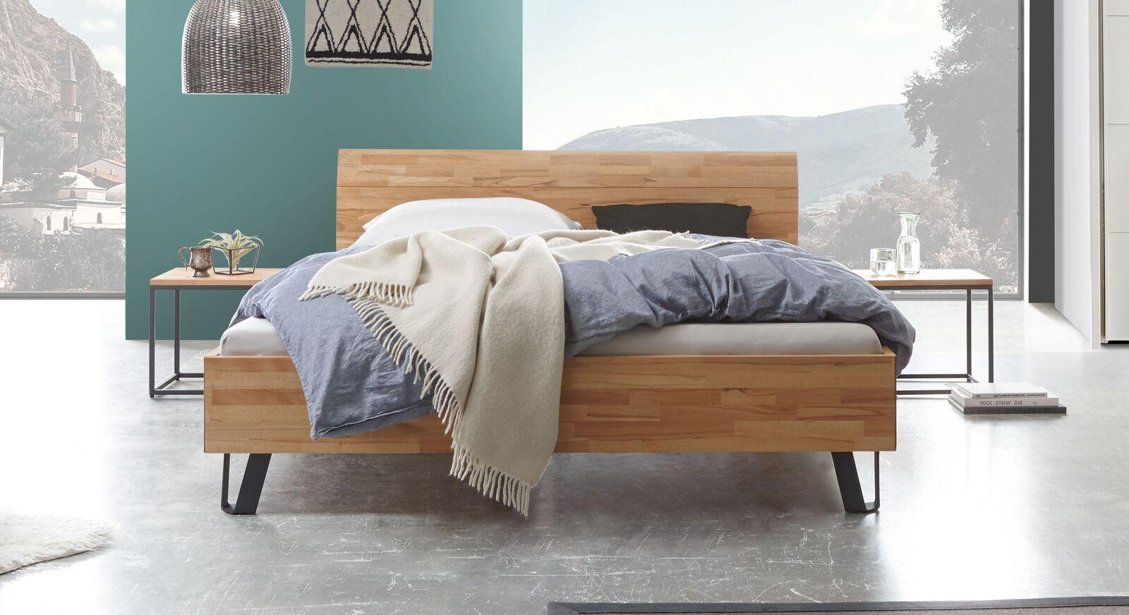 Bett Pilara aus massivem Kernbuchenholz