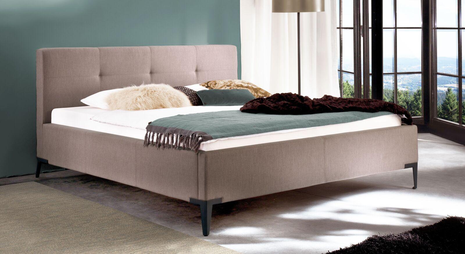 Bett Raritan aus Webstoff in Altrosa