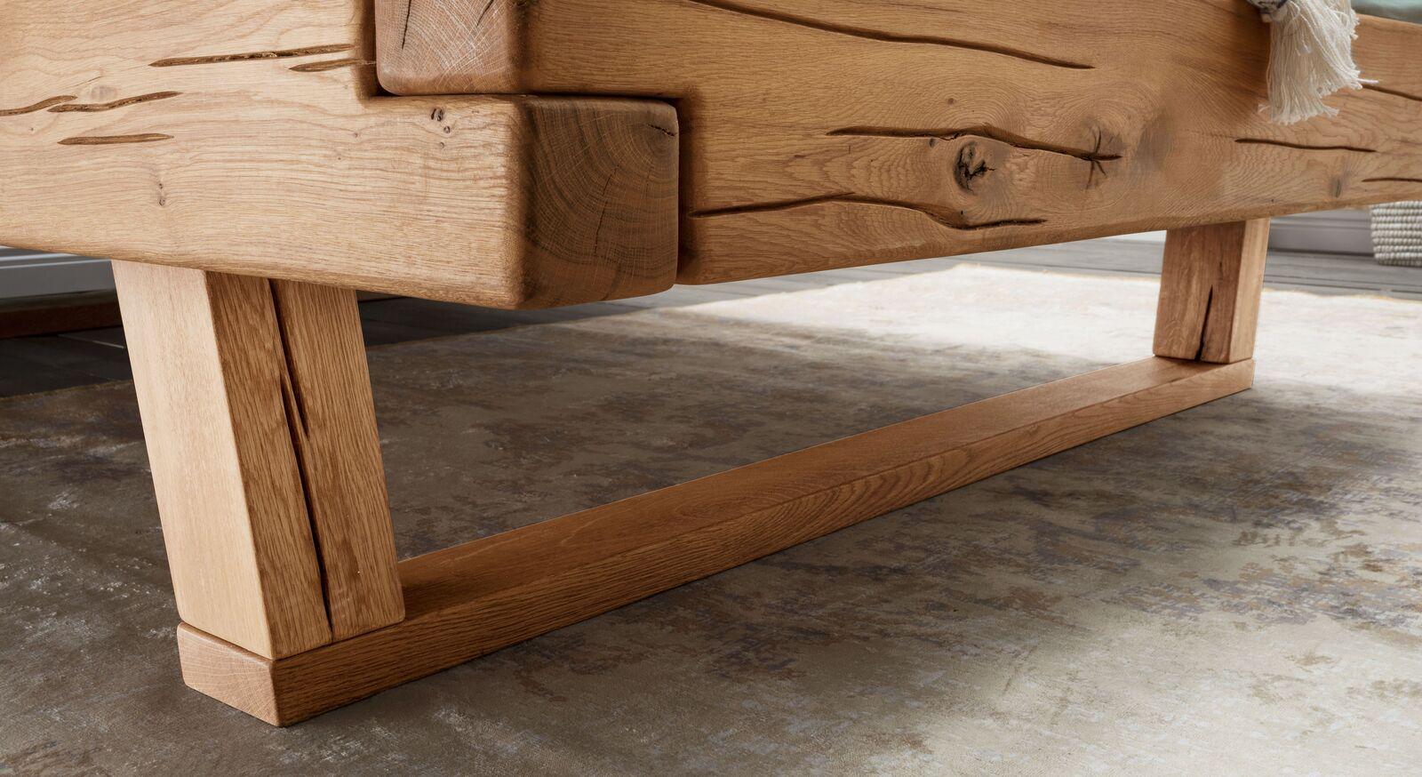 Bett Rigolato mit natürlicher Holzkufe