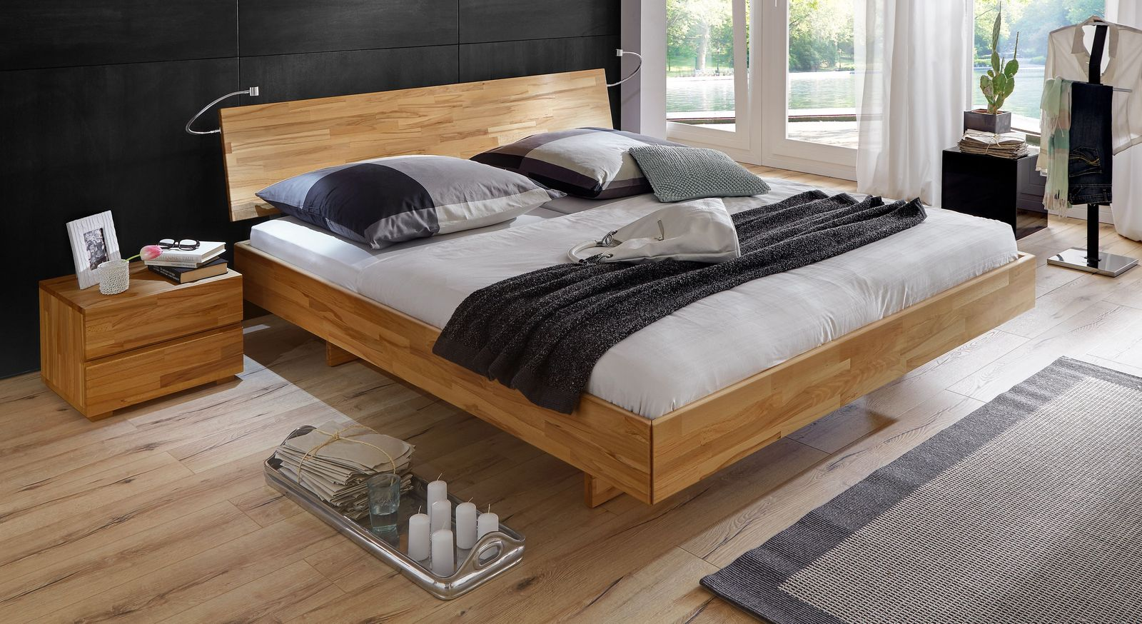 Bett Rimini mit 38 cm Rahmenhöhe aus Kernbuche