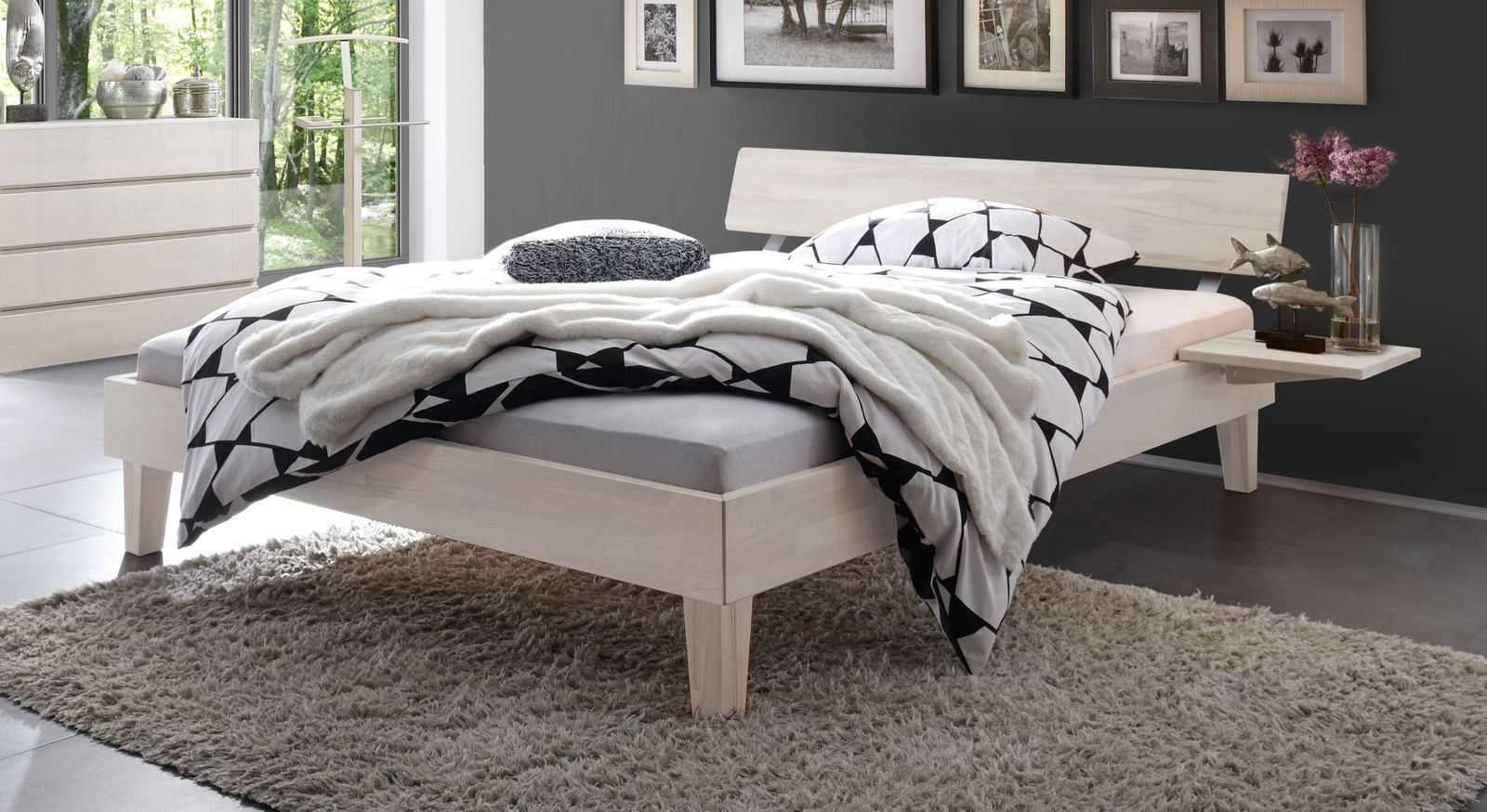 Weißes Bett Teramo aus Buche