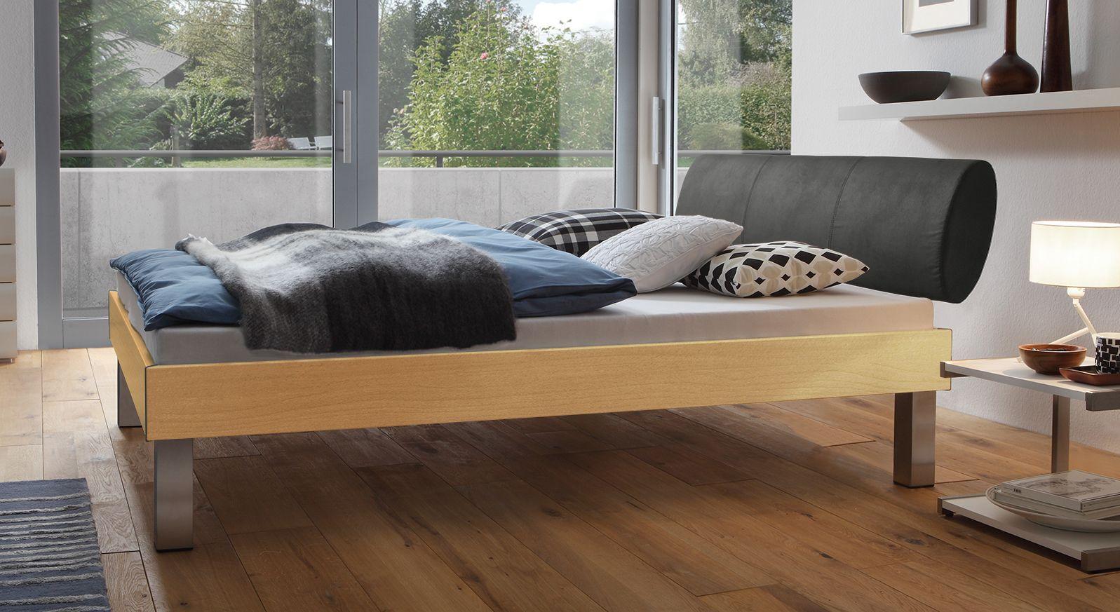 Designerbett Trani in Buche mit einer Fußhöhe von 25cm