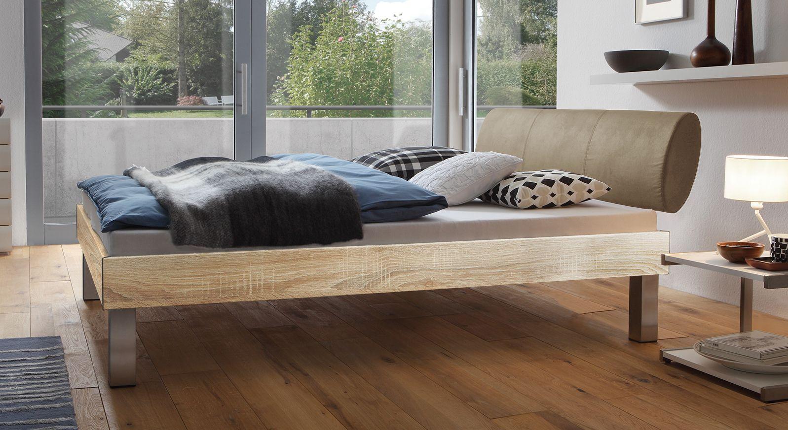 Designerbett Trani in Eiche mit einer Fußhöhe von 25cm