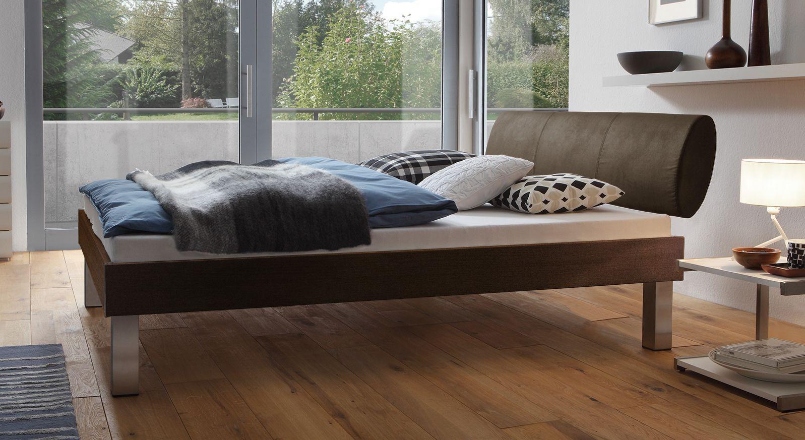 Designerbett Trani in Ferrara mit einer Fußhöhe von 25cm