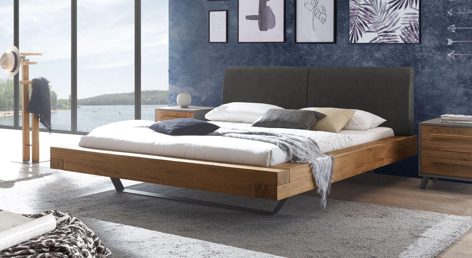 Wildeichen-Bett Valladion mit Kopfteil in Anthrazit