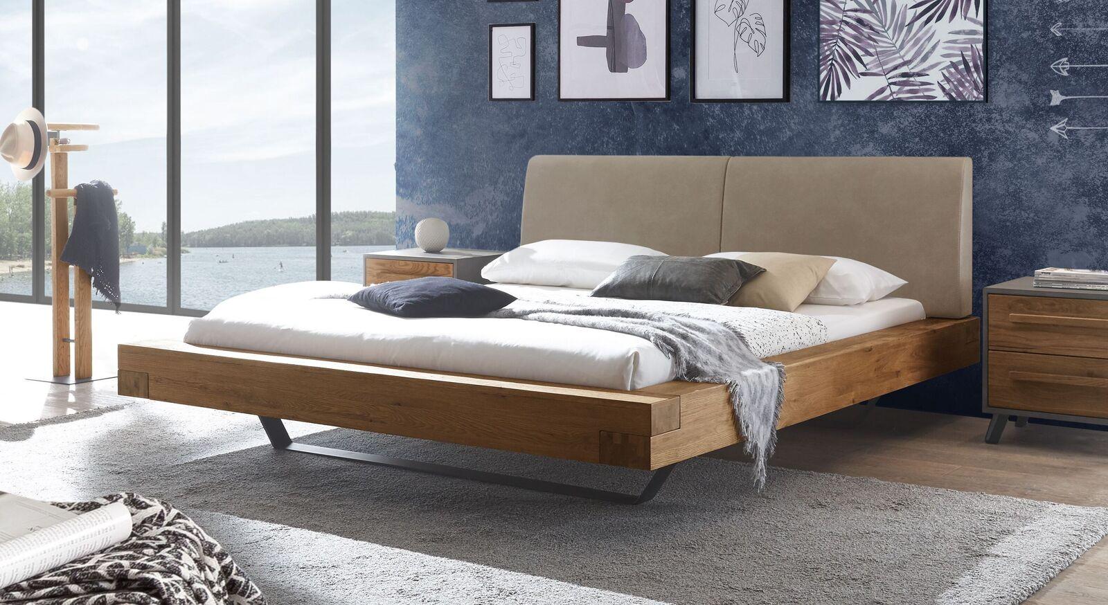 Wildeichen-Bett Valladion mit Kopfteil in Beigebraun