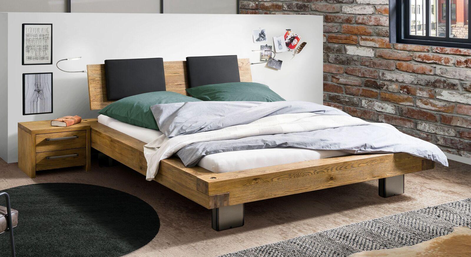 Bett Vilbert mit breitem Holzbettrahmen