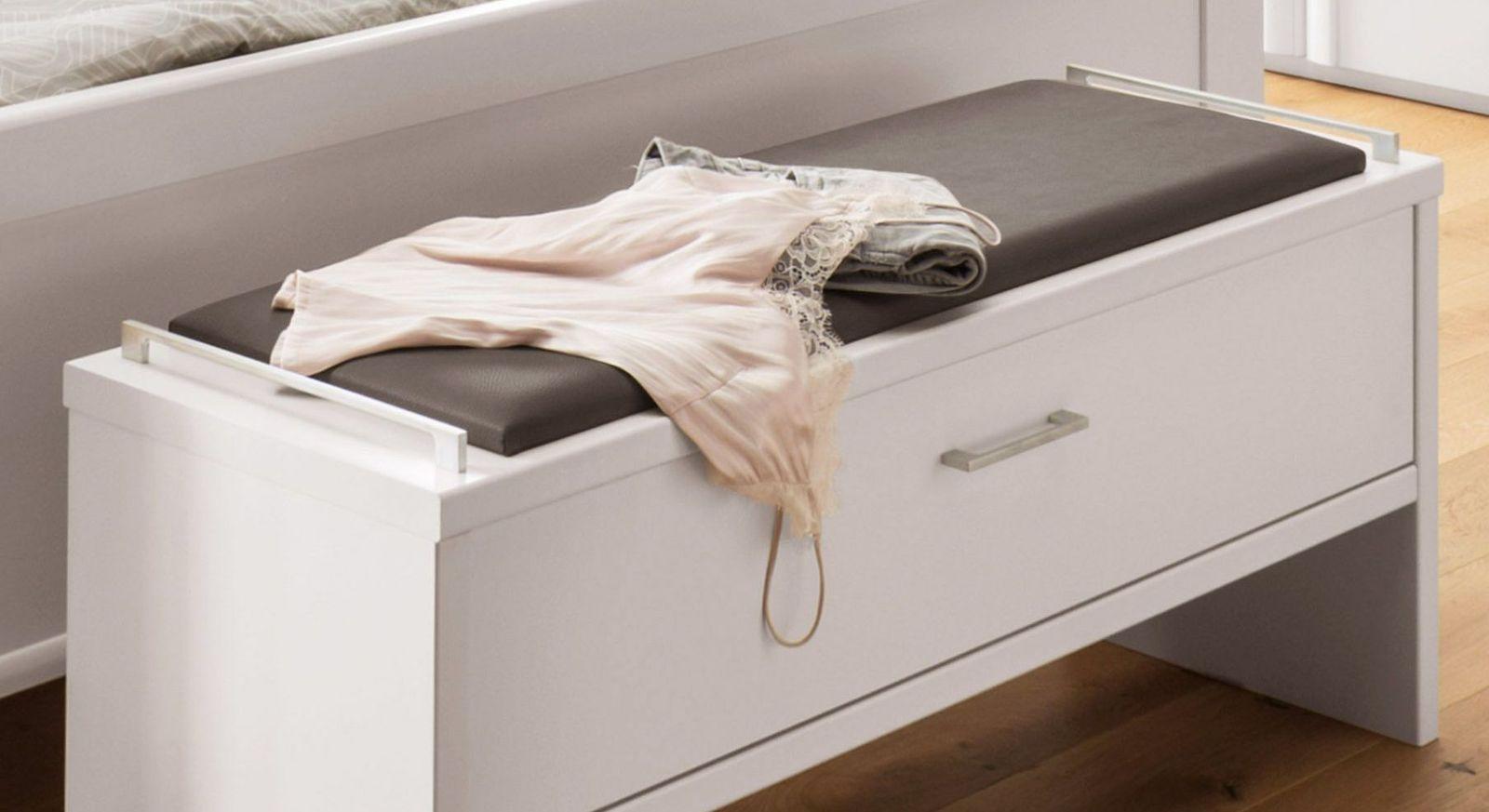 Bettbank Castelli mit Sitzpolster und Metallgriffe