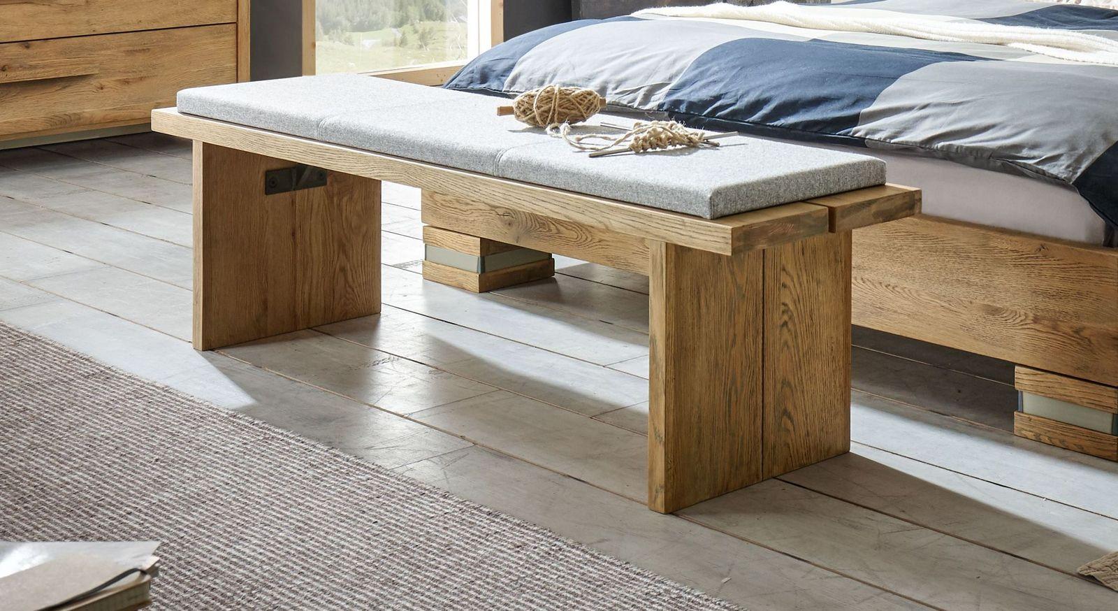 Bettbank Valdivia als optimale Sitzgelegenheit im Schlafzimmer