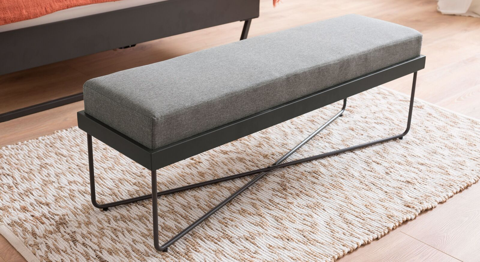 Bettbank Vegeta mit komfortablem Sitzpolster