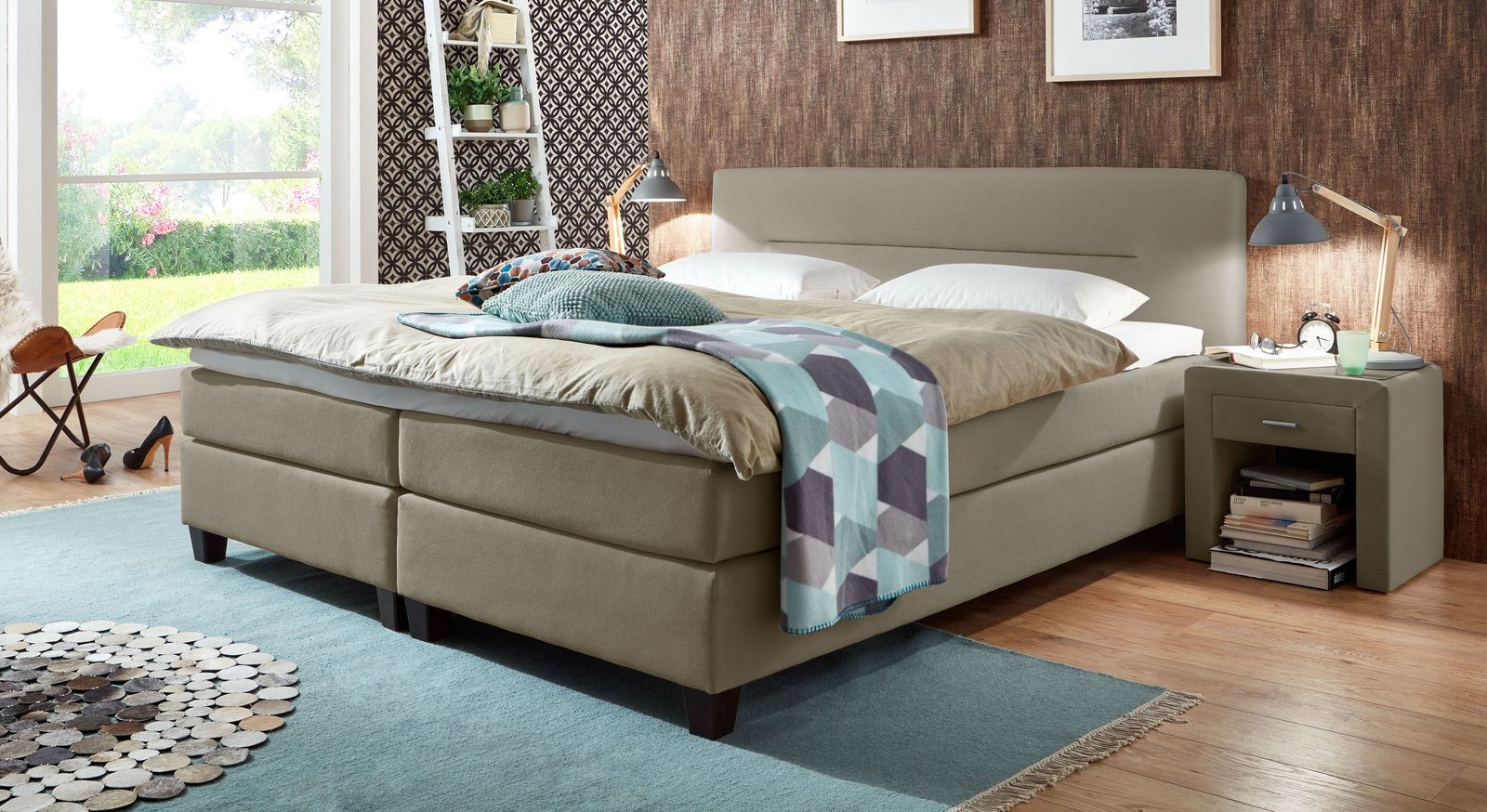 53 cm hohes Boxspringbett Clarksville aus Webstoff in Taupe