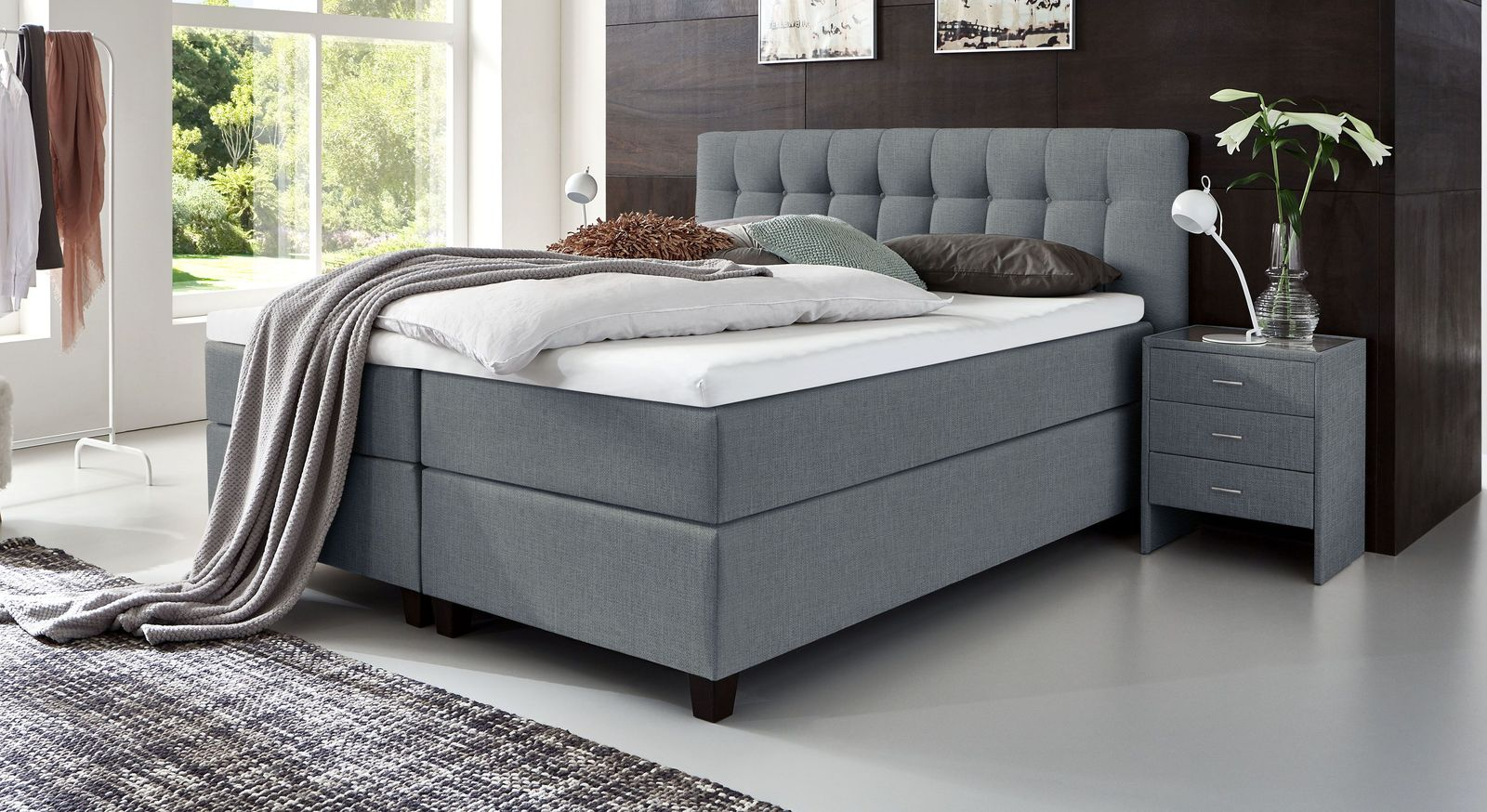 66 cm hohes Boxspringbett Luciano aus meliertem Webstoff in Blaugrau