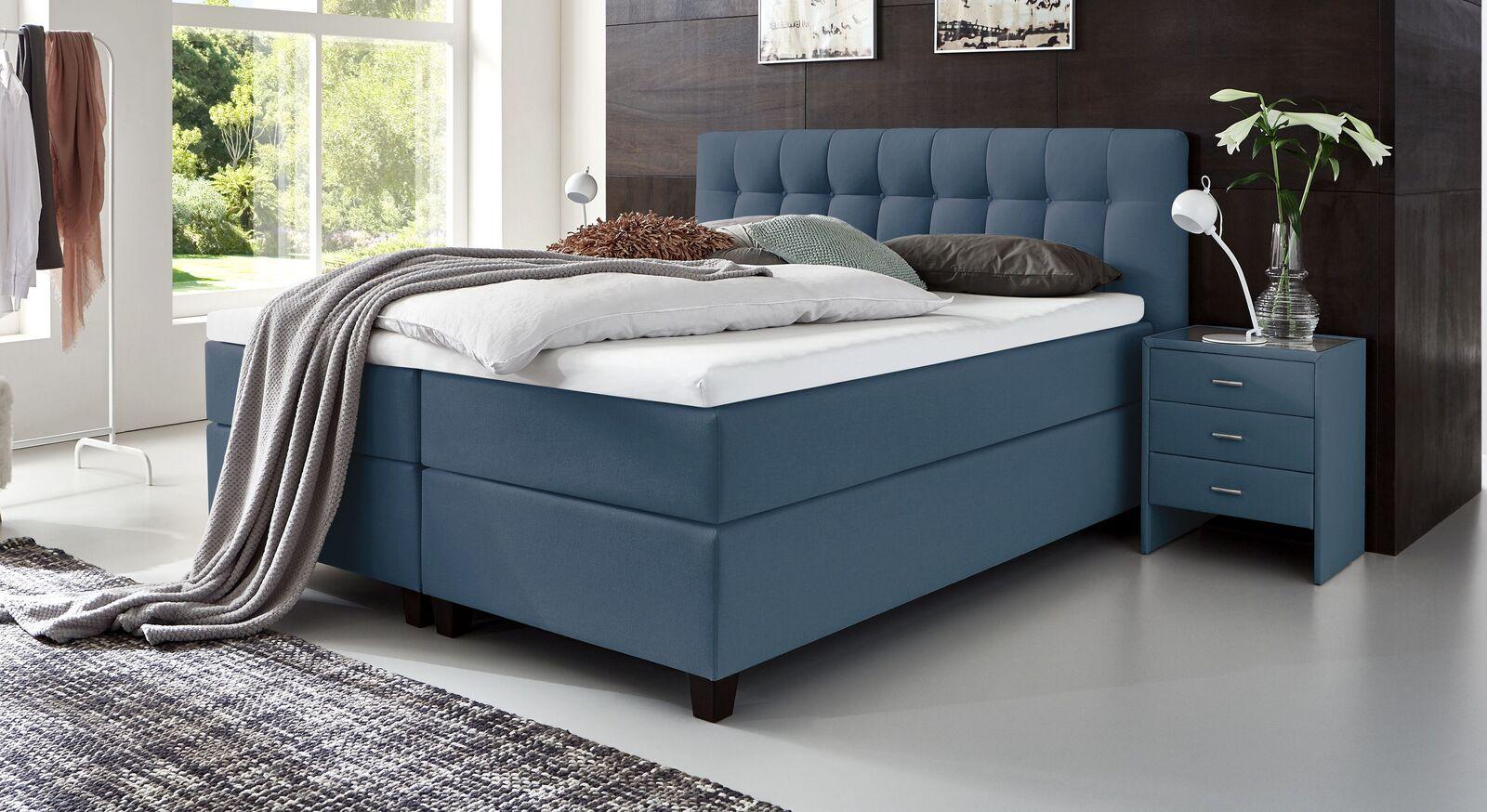 Trendiges Boxspringbett Luciano aus blauem Webstoff in Komforthöhe