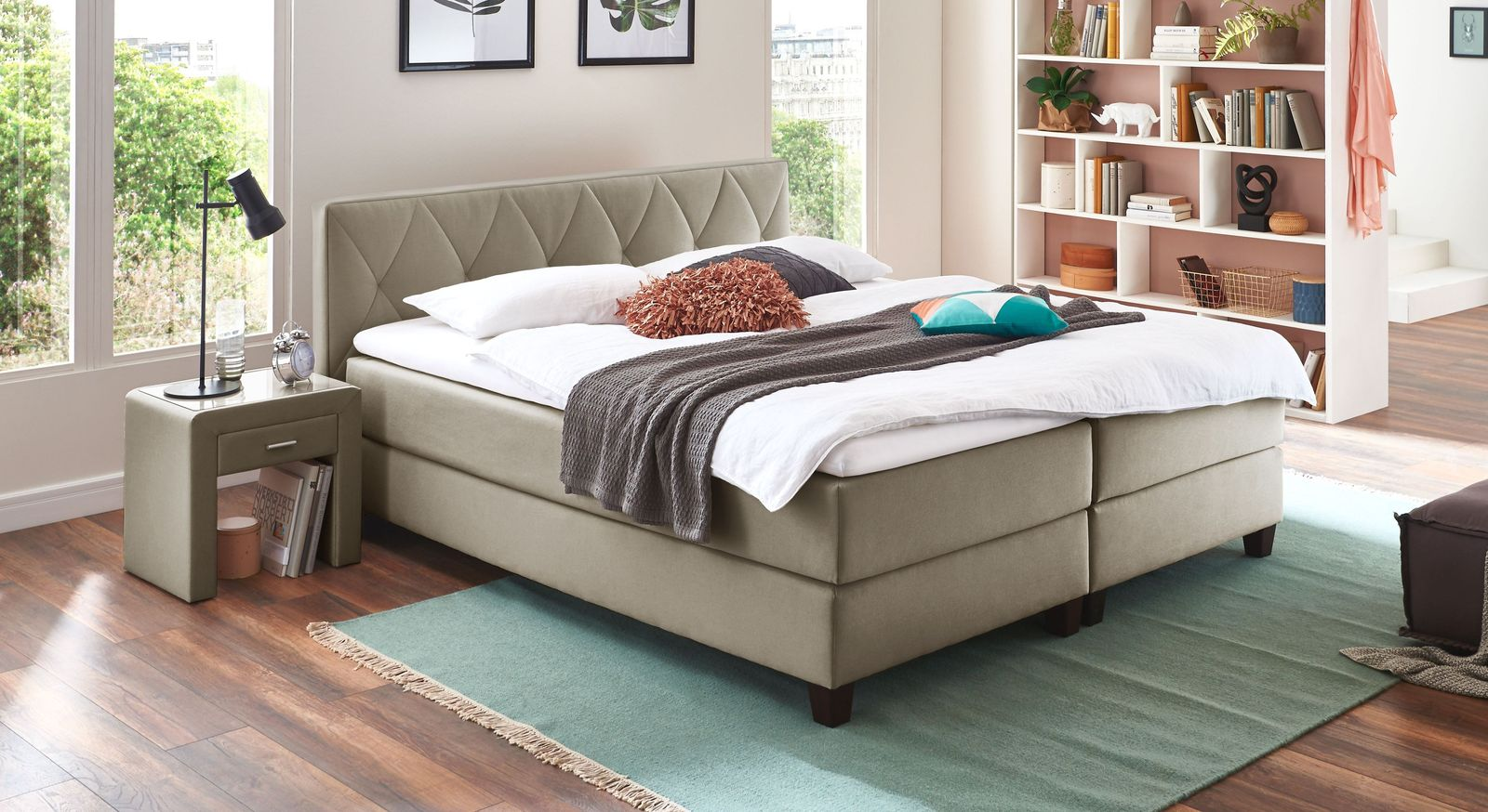 Stoff-Boxspringbett Midway in neutralem Taupe