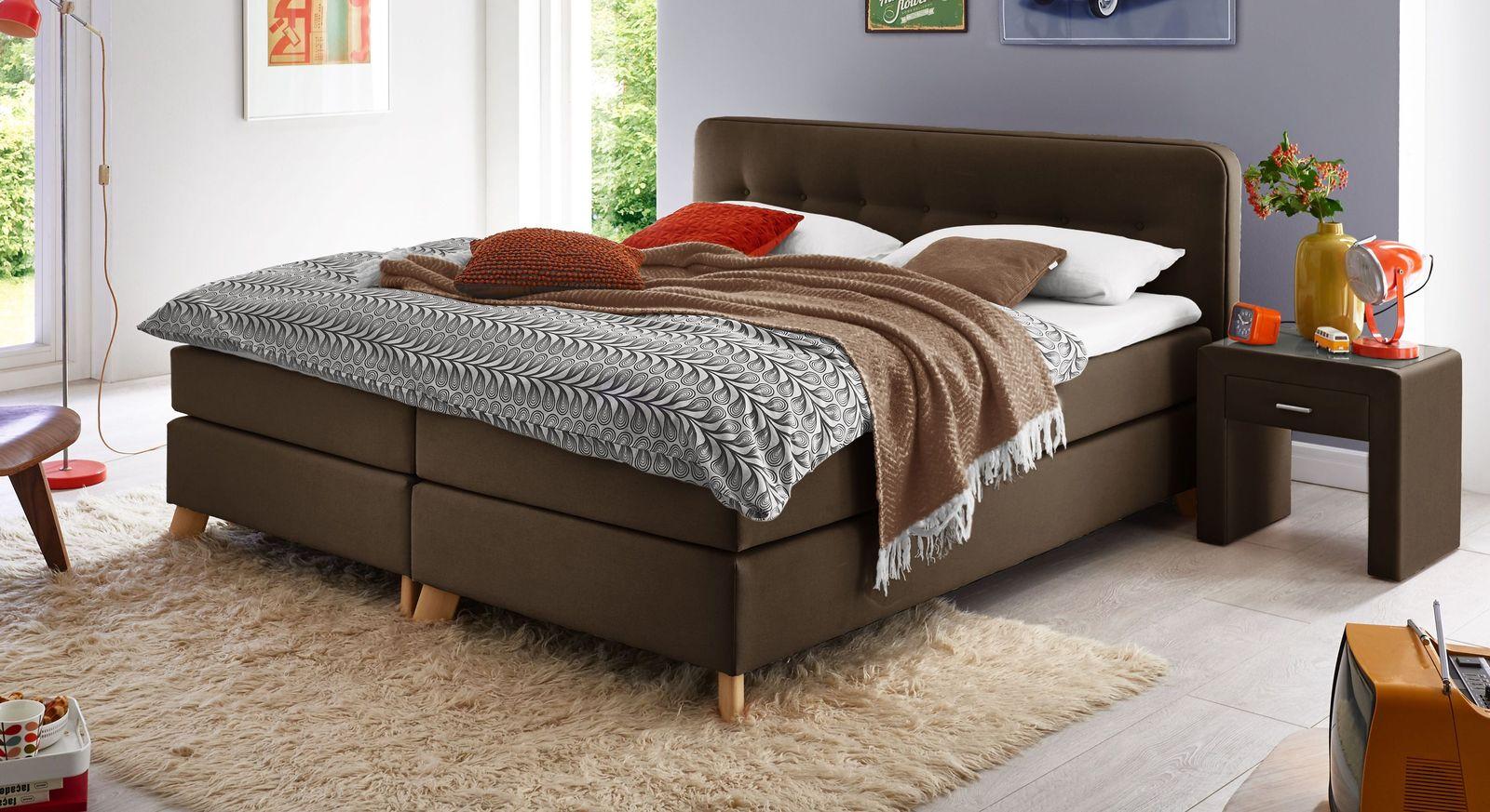 Komfortables Boxspringbett Summerford in warmem Braun
