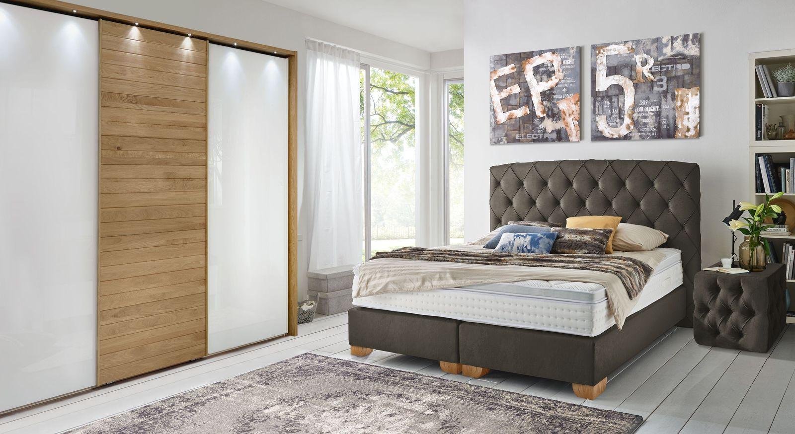 Boxspringbett Sunnyvale mit passenden Schlafzimmermöbeln