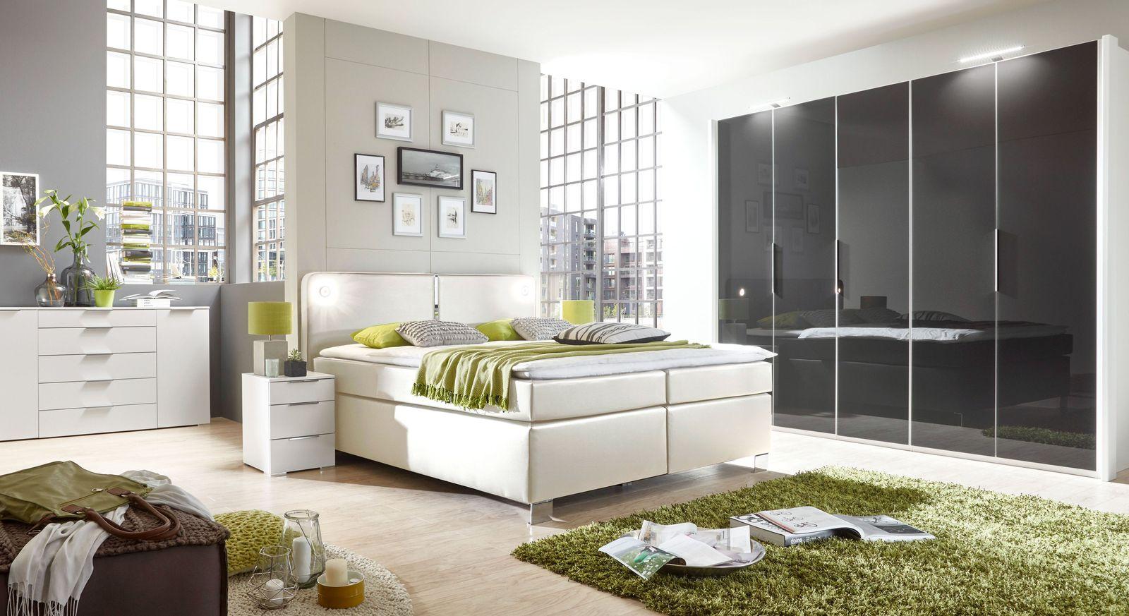 Boxspringbett Tramonti mit passenden Schlafzimmermöbeln