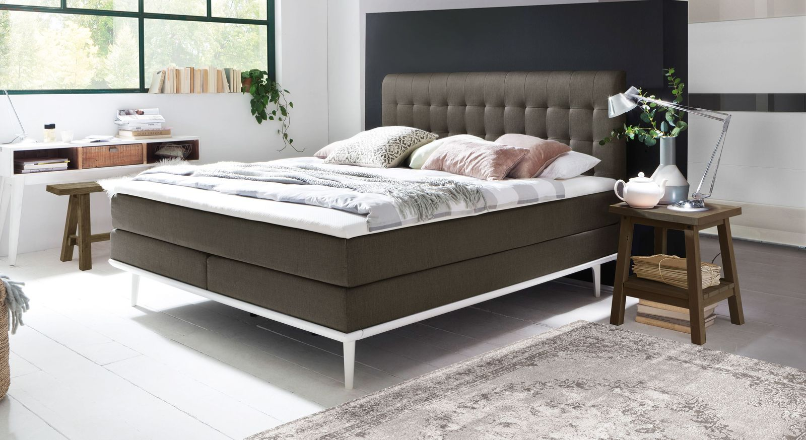 Boxspringbett Tromello aus anthrazitfarbenem Webstoff