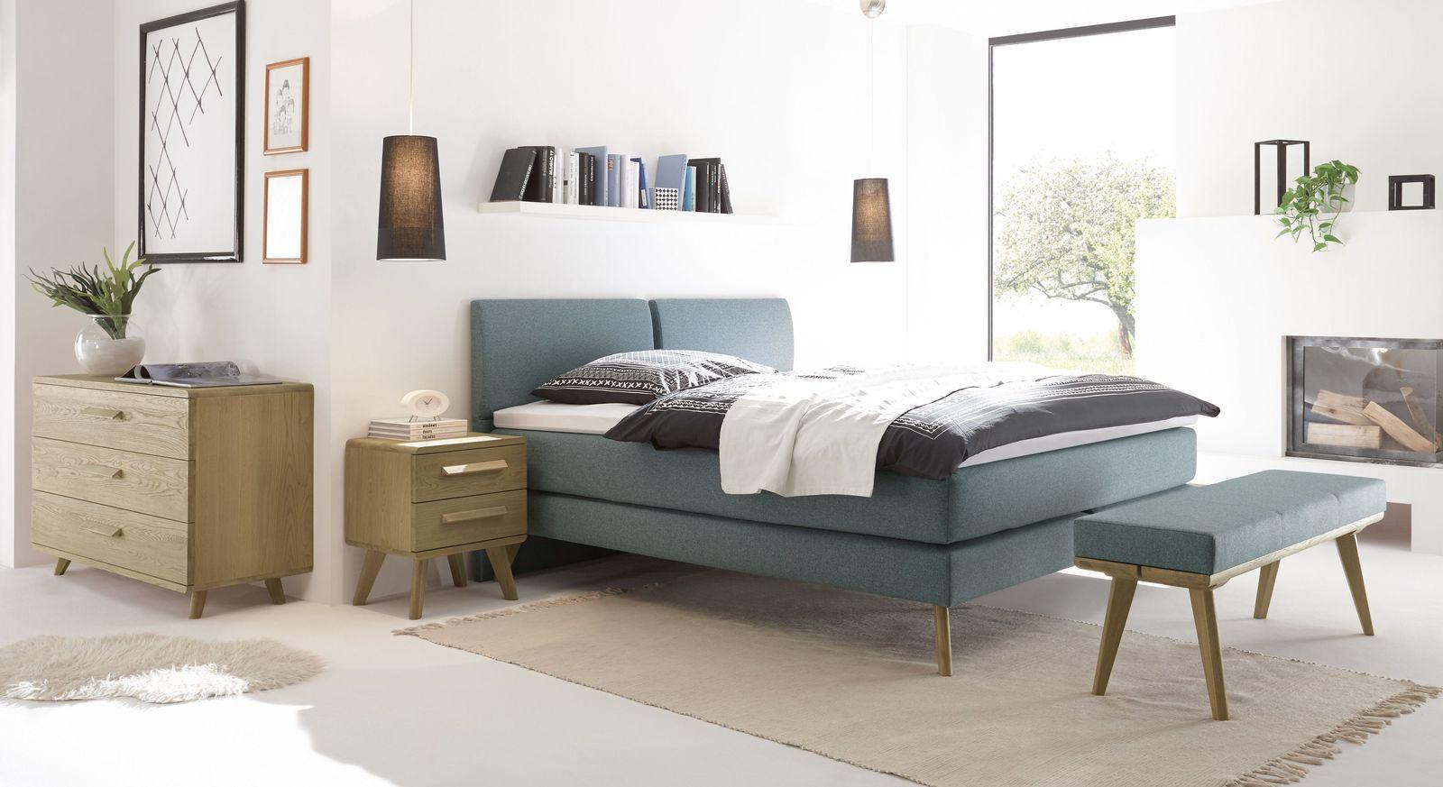 Boxspringbett Viane mit passenden Schlafzimmermöbeln aus Eiche