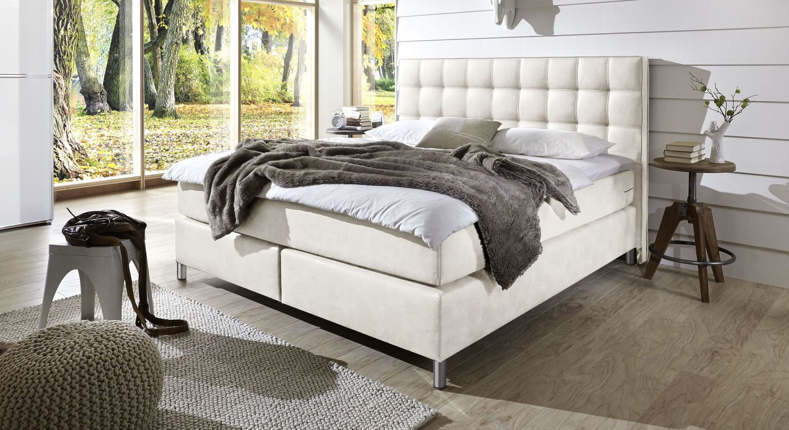 Boxspringbett Zamora aus elegantem Luxuskunstleder in Weiß